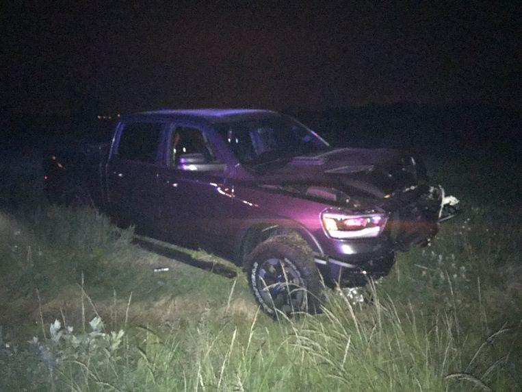 Zowel de Citroën als de pick-up eindigden na het ongeval in het veld en liepen zware schade op.