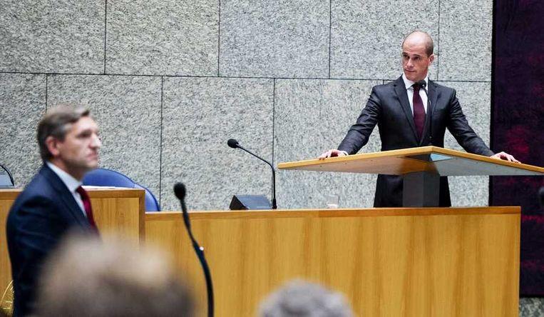 Buma op de voorgrond, bij het spreekgestoelte PvdA-leider Samsom. Beeld anp