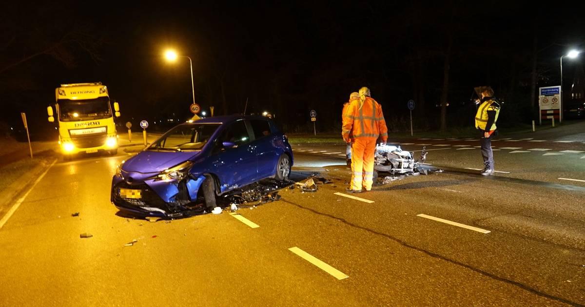 Motorrijder gewond na botsing met auto in Mariënberg.