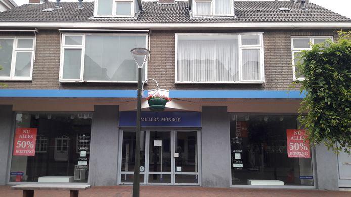 De winkel aan de Geldropse Langstraat waar in september 2017 het liftongeval gebeurde.