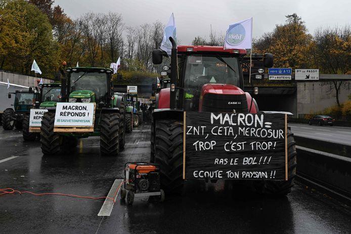 'Genoeg is genoeg', aldus de boze boeren die per tractor naar Parijs togen.