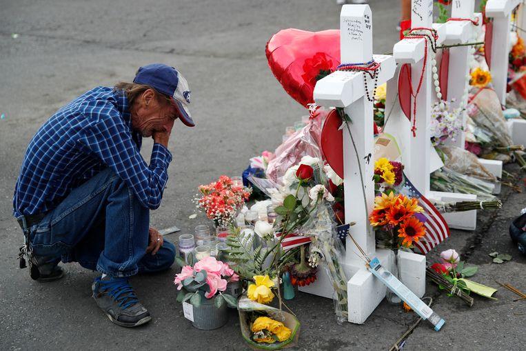 Antonio Basco ging elke dag nog naar de plaats waar zijn vrouw overleed.
