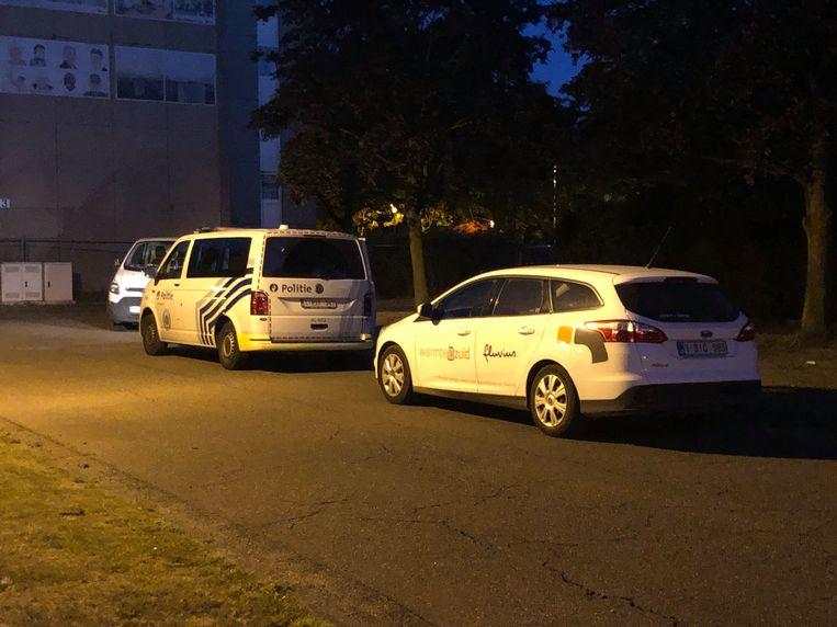 De Antwerpse politie en distributienetbeheerder Fluvius zijn ter plaatse.