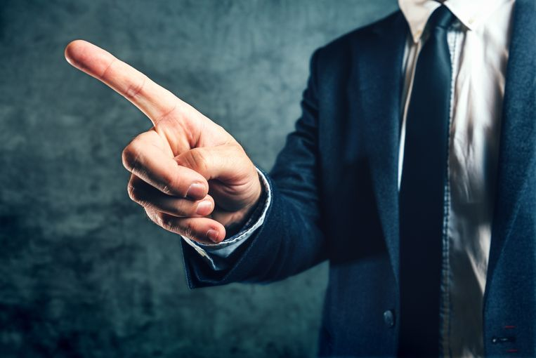 Wie zijn ontslag krijgt, hoeft in de meeste gevallen nog niet onmiddellijk zijn boeltje te pakken