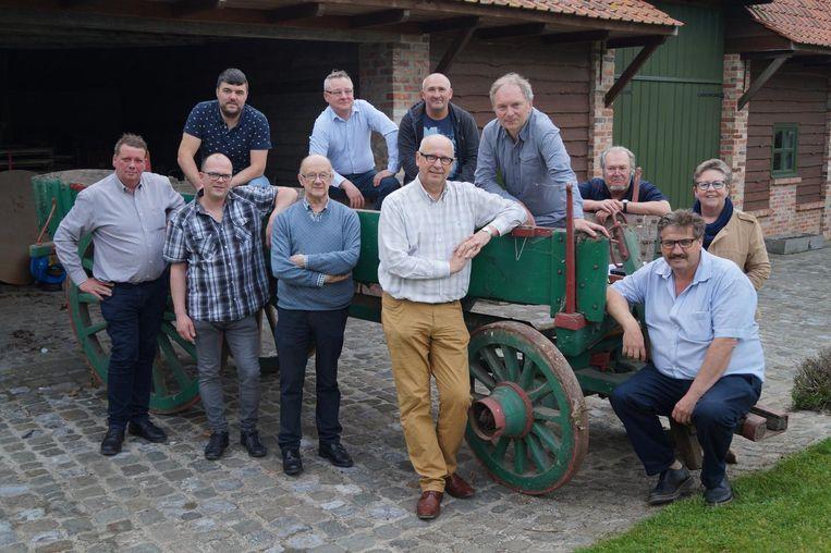De stuurgroep die Het Frontparadijs coördineert. Centraal zien we regisseur Bart Cafmeyer, coördinator Luc Haeghebaert en scenarist Benedict Wydooghe.
