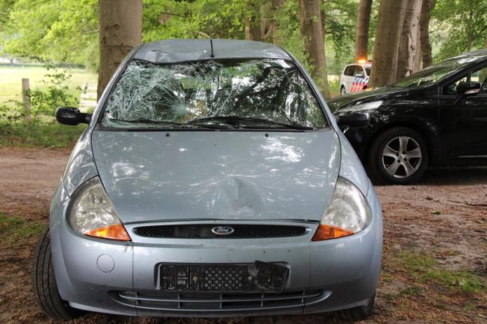 Een solexrijder raakte vrijdagmiddag gewond bij een botsing met een auto op de Schaarshoekweg in Wijhe.