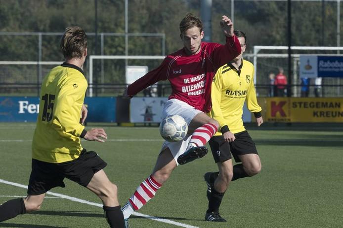 Concordia-speler Joost Rasing in actie. Archieffoto: Jan van den Brink