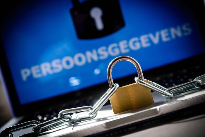 Een medewerker van de provincie Overijssel is gehackt.