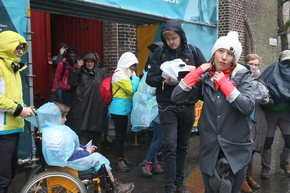 Linde Merckpoel vertrekt met stille mars naar Mfl in Wachtebeke.