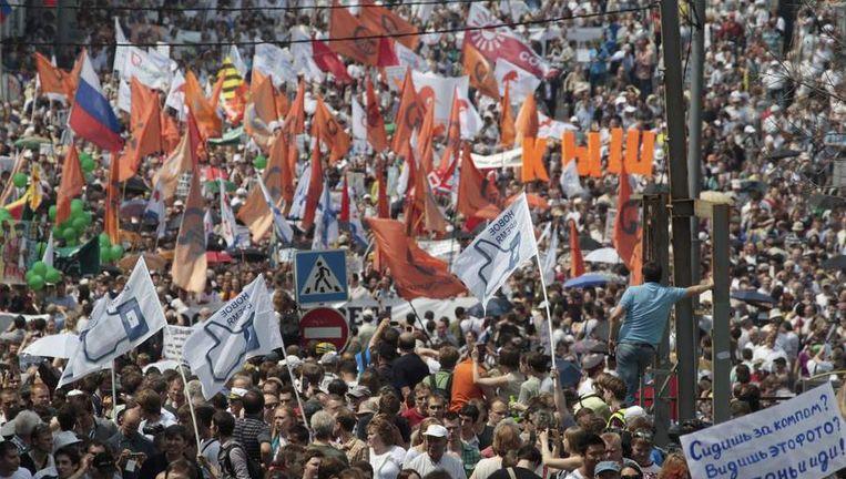 Duizenden demonstranten trokken vandaag de straat op in Moskou. Beeld reuters