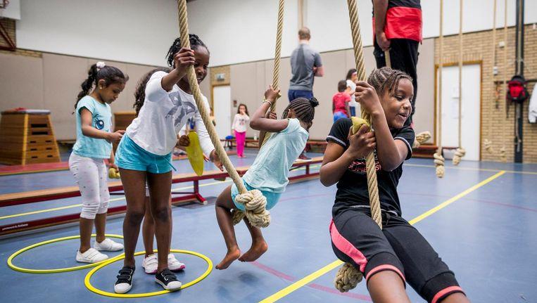 Het doel van drie uur gymles per week op de basisschool is niet gehaald. Beeld Rink Hof