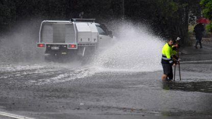 Extreem weer in Australië: zware regenval in Sydney, felle bosbranden in Queensland