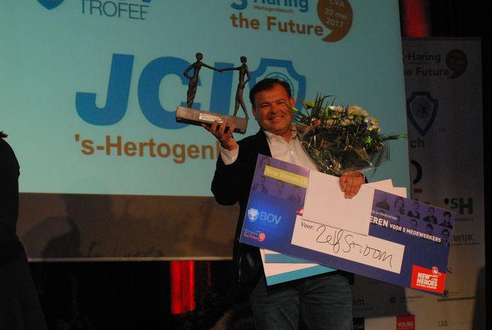 Het bedrijf Zelfstroom pakte de BOV-trofee in de categorie Groot Zakelijk, een categorie met bedrijven met een jaaromzet van minimaal een half miljoen euro.