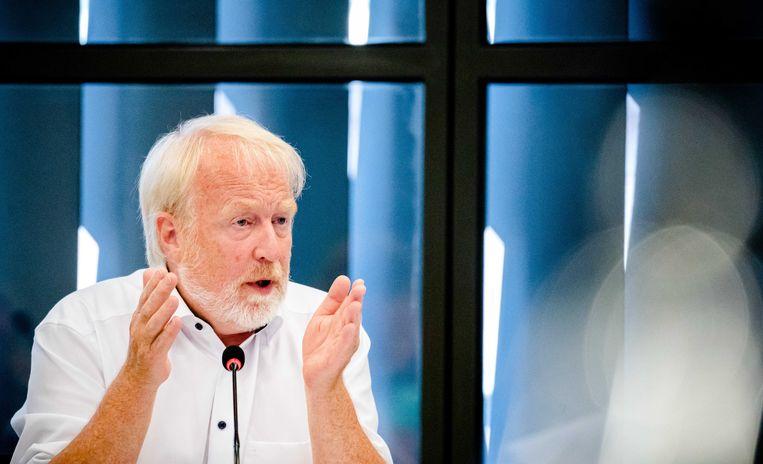 RIVM-directeur Jaap van Dissel onderbrak zijn vakantie om de Tweede Kamerleden bij te praten over de stand van zaken rondom het coronavirus. Beeld ANP