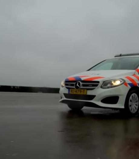 Politie oefent met nieuwe auto's in Zwolle