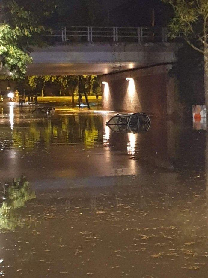 Het onweer sloeg bijzonder hard toe in Kortrijk.