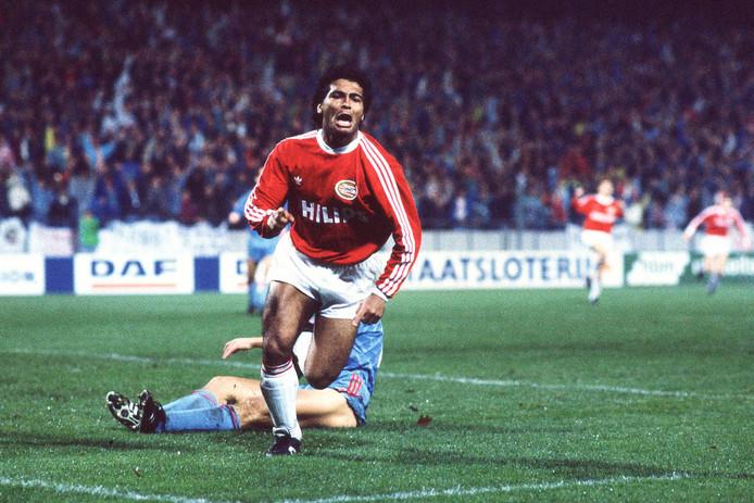 Misschien wel de beste wedstrijd van Romário in dienst van PSV. Het Europacup-duel met Steaua Boekarest in 1989, waarin hij drie keer scoorde.