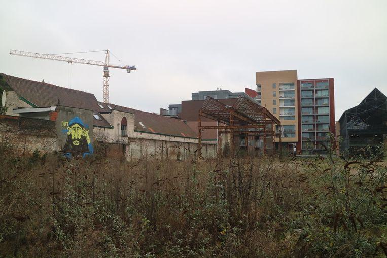 De startdatum voor de aanleg van het Van Crombrugghepark wordt alsmaar uitgesteld.