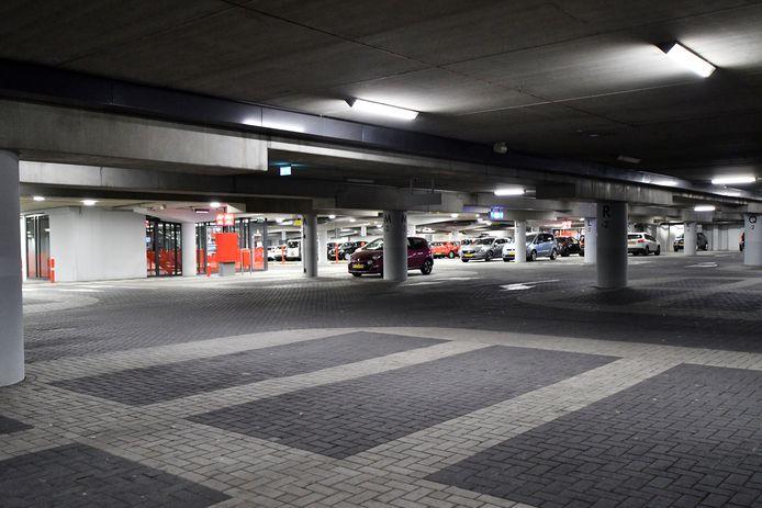 Enschede loopt door de coronacrisis momenteel circa twee ton aan parkeerinkomsten mis.
