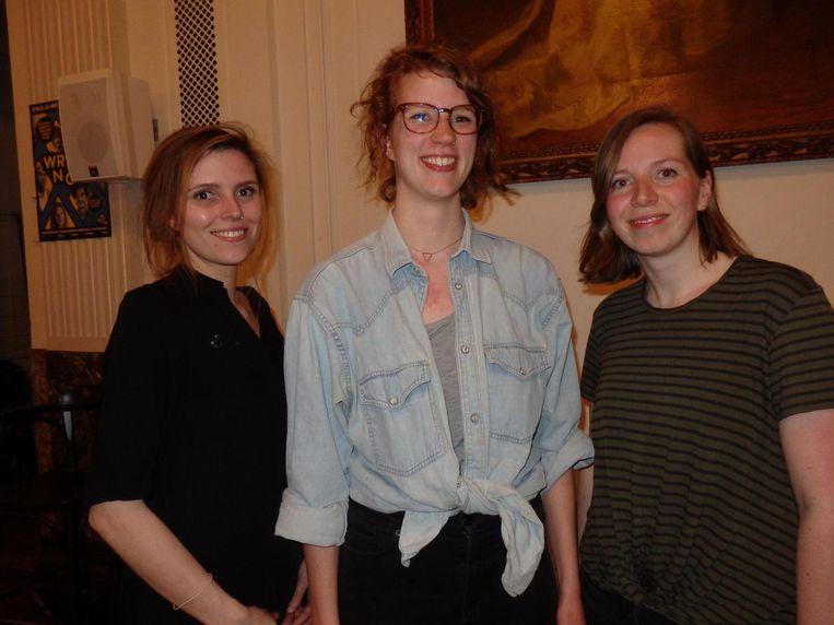 Elske Jacobs, Iris Nieuwenhuizen en Karlijn Leenders (vlnr), allen van Write Now! Amsterdam Beeld Schuim