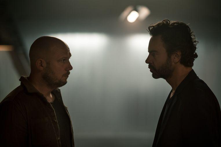 Over water - Series (BEL) - Generic season 2 (2020) - Caption: Jeroen Perceval (Barry Snoeck) en Tom Dewispelaere (John Beckers)