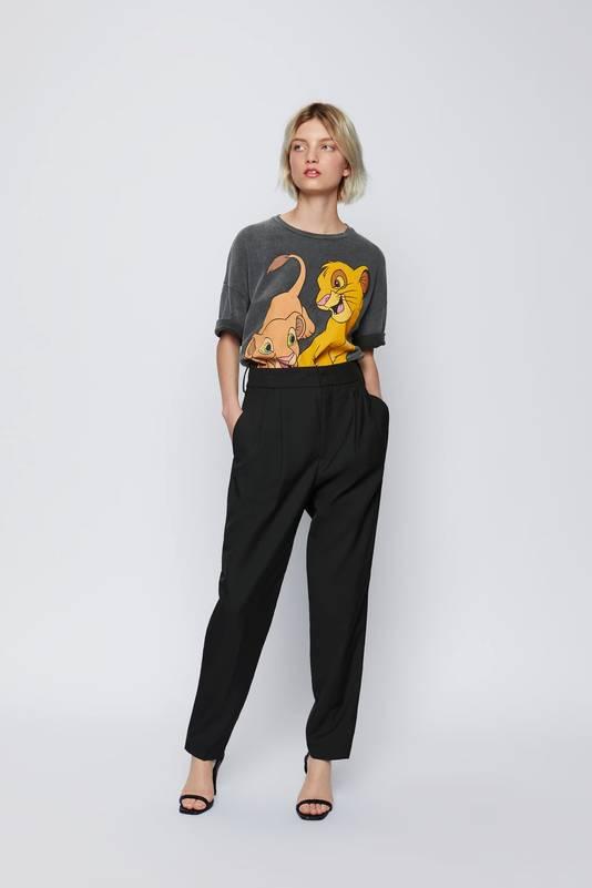 T-shirt Simba et Nala - Prix: 15,95 euros.