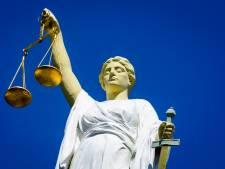 Schiedamse 'pakketbezorger' moet drie jaar cel in voor overval op echtpaar uit Rozenburg