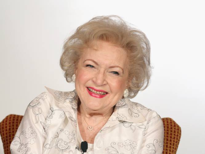 """'Golden Girl' Betty White viert 99ste verjaardag: """"Stoppen? Ik ben niet gemaakt om in mijn zetel weg te kwijnen"""""""