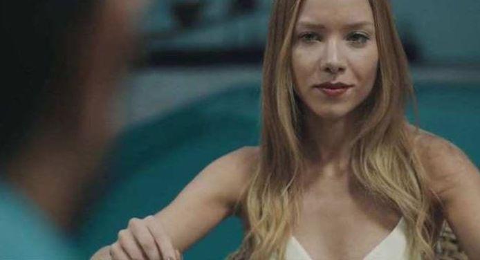 Najila in een videoclip van een Braziliaanse zanger.