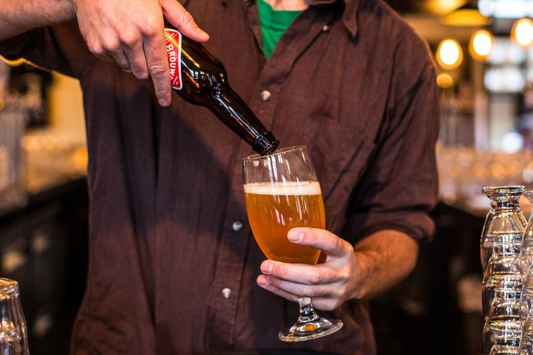 De terrasbieren van Brouwerij 't IJ zijn enkel op hun eigen terras verkrijgbaar. Beeld Eva Plevier