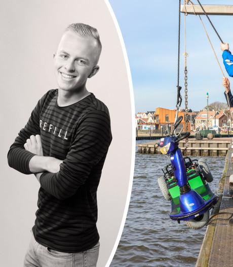 Ruben (20) redt bejaarde man na val met scootmobiel in haven Urk: 'Hij was in shock'