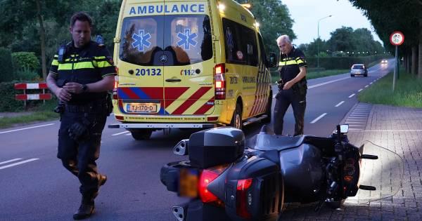 Motorrijder raakt gewond bij botsing met auto in Dongen.