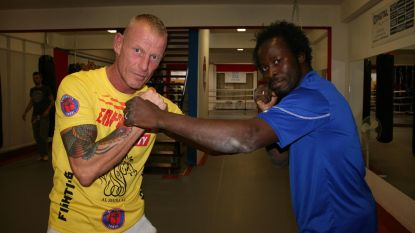 Sugar Jackson geeft boksles bij The Legend Thai Kikboksclub