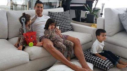 Cristiano Ronaldo en z'n kroost steken hulpverleners hart onder de riem