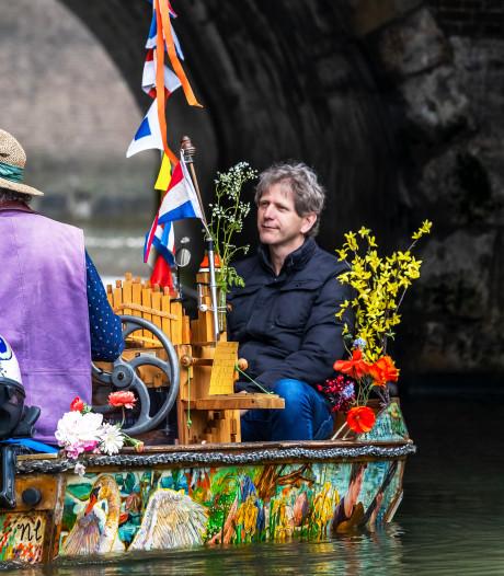 Eindelijk de Matthäus, maar dan in een bootje op de Oudegracht