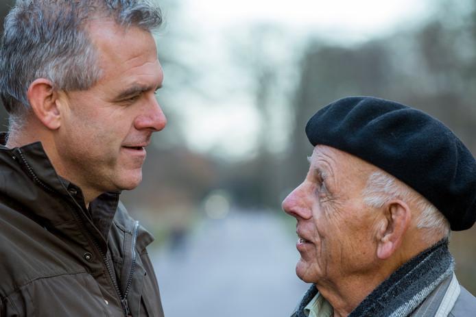 Wilke Schoemaker van landgoed Hof te Dieren en rechts Joop Zijlstra.