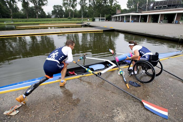 Corné de Koning (links) en Annika van der Meer tijdens hun voorbereiding op het WK.