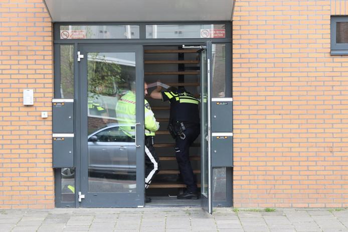 De politie heeft donderdagmiddag een man aangehouden voor een steekpartij aan de Noordzijde in Emmeloord.