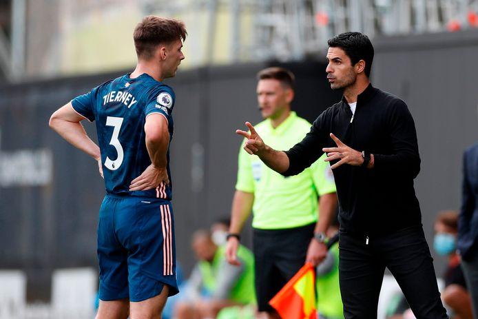 Arsenal-trainer Arteta met Tierney.