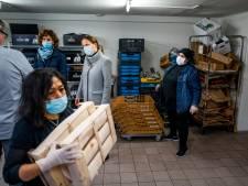 Weggeefwinkel Yess zorgt dat niemand in de wijk honger heeft (en Carola Schouten helpt een handje mee)