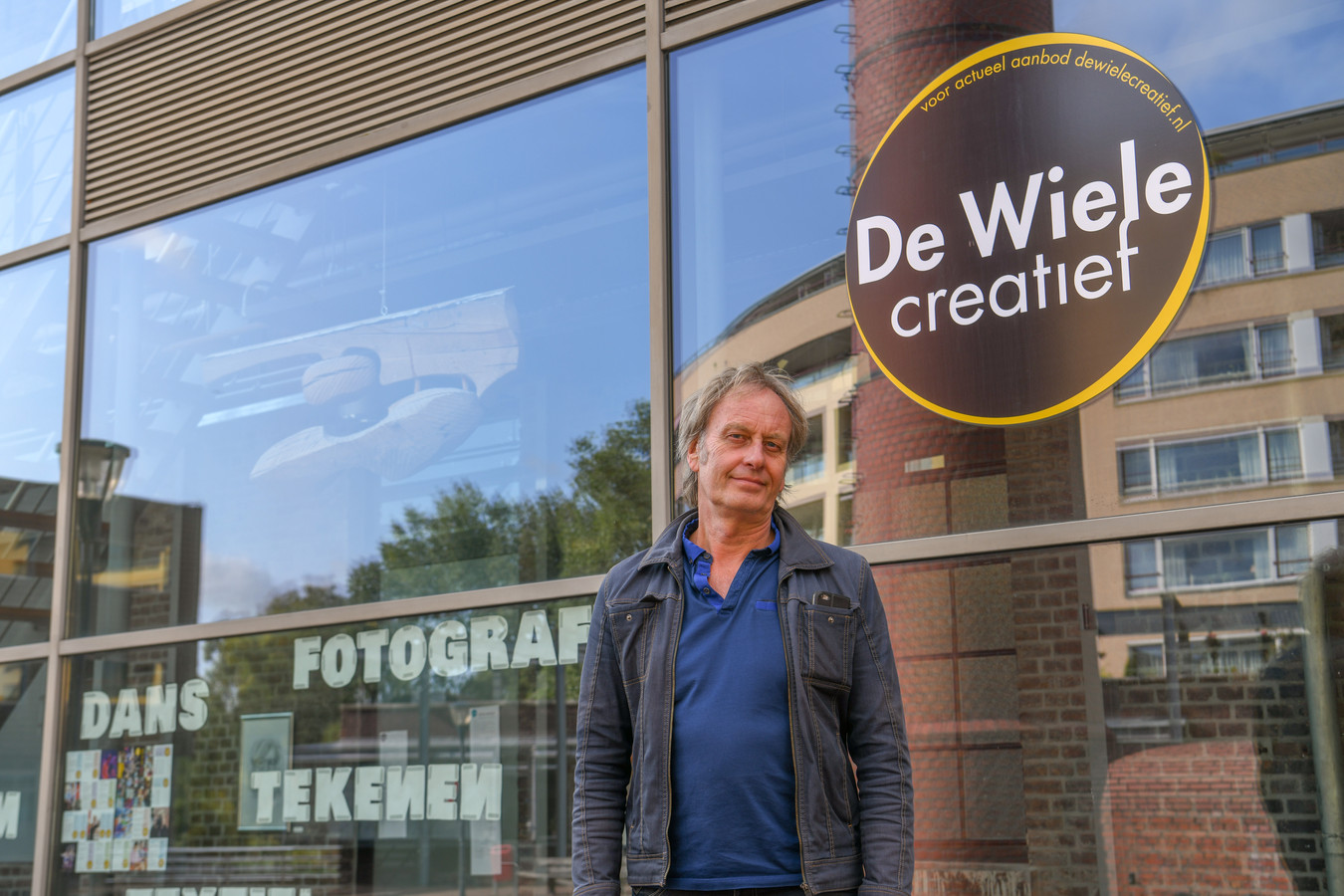 Kunstdocent Jan Wils voor creatief centrum De Wiele in Geldrop.