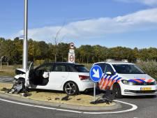 Opnieuw botsing tussen twee auto's op de Rusluieweg in Vriezenveen