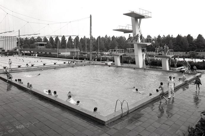 De springtoren van Den Hommel.