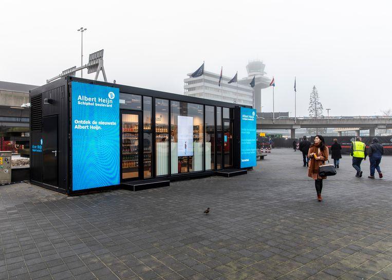 De robotsupermarkt op Schiphol. Beeld Lin Woldendorp