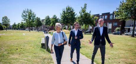 Burgemeester Volendam zoekt inspiratie in Enschede: 'Vroegere café kan wellicht Huis van Verhalen worden'