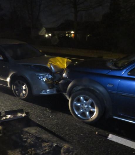 Links rijdende Engelse auto veroorzaakt ongeluk bij De Klomp