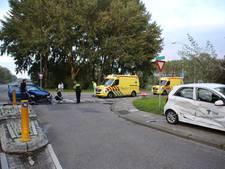 Auto's total loss na botsing in Rheden