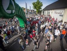 Mensenmassa op de been in wandeldorp Kloosterhaar