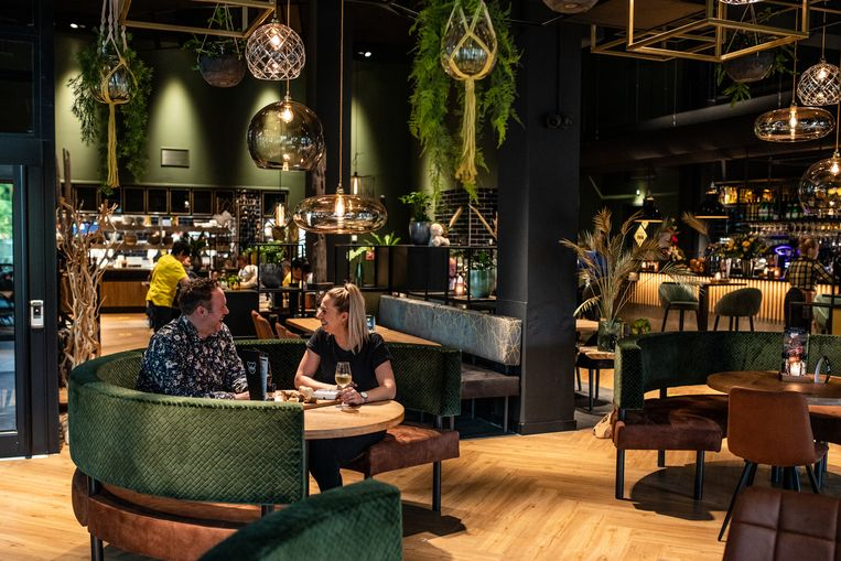 Restaurant De Beren Amsterdam-Noord. Beeld Nosh Neneh