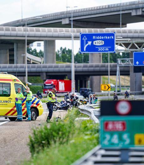 Motorrijder (26) komt om het leven bij eenzijdig ongeluk op de A16